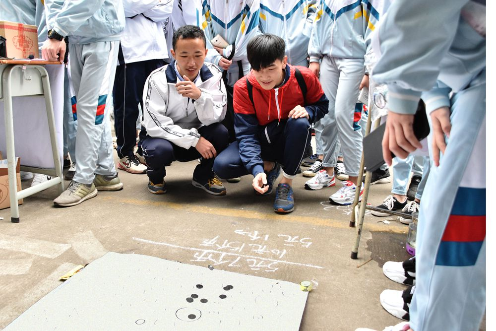 20170308新会机电爱心义卖活动(15).jpg